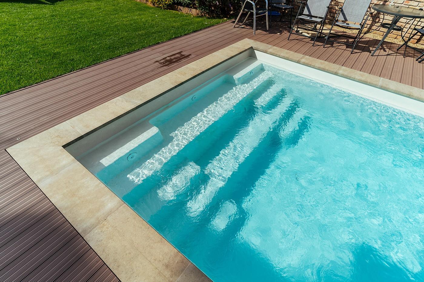 Nautilus GFK-Pool Minerva